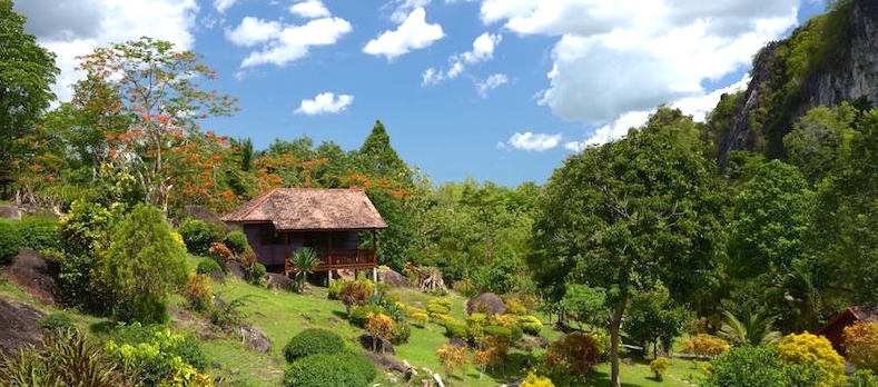 Phanom-Bencha-Mountain-Resort-Bungalows